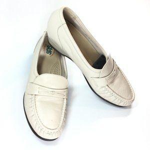 SAS Shoes Comfort Loafer Moccasin Ivory Size 8.5 N